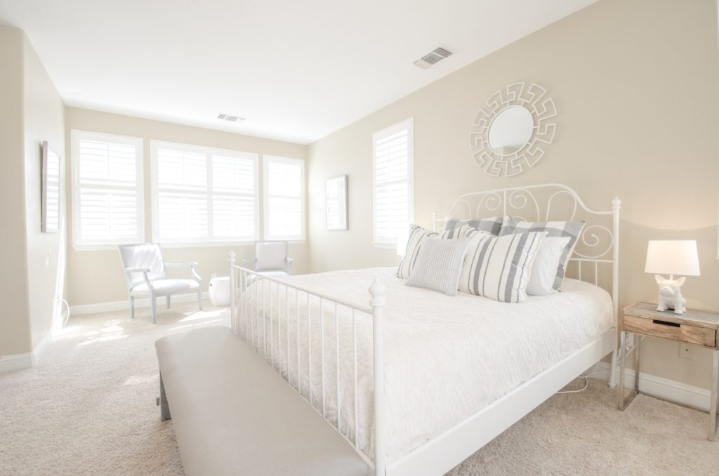 home staging farmhouse bedroom