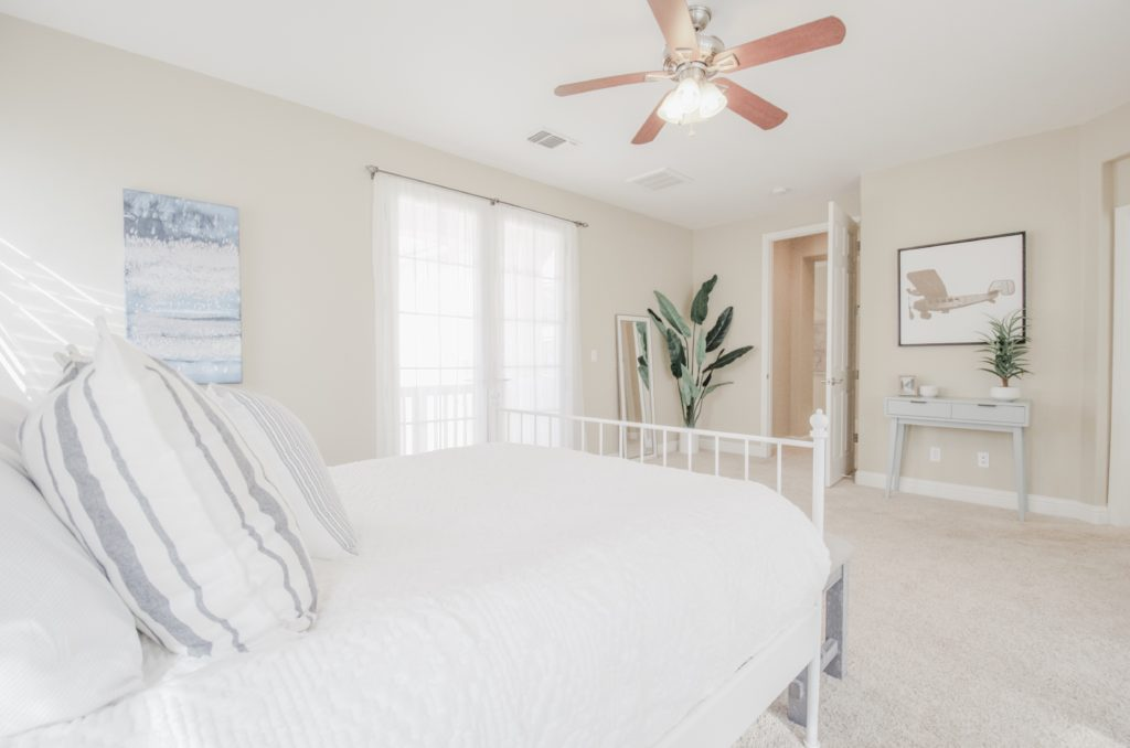 Home Staging, Light and airy master bedroom with neutral tones.