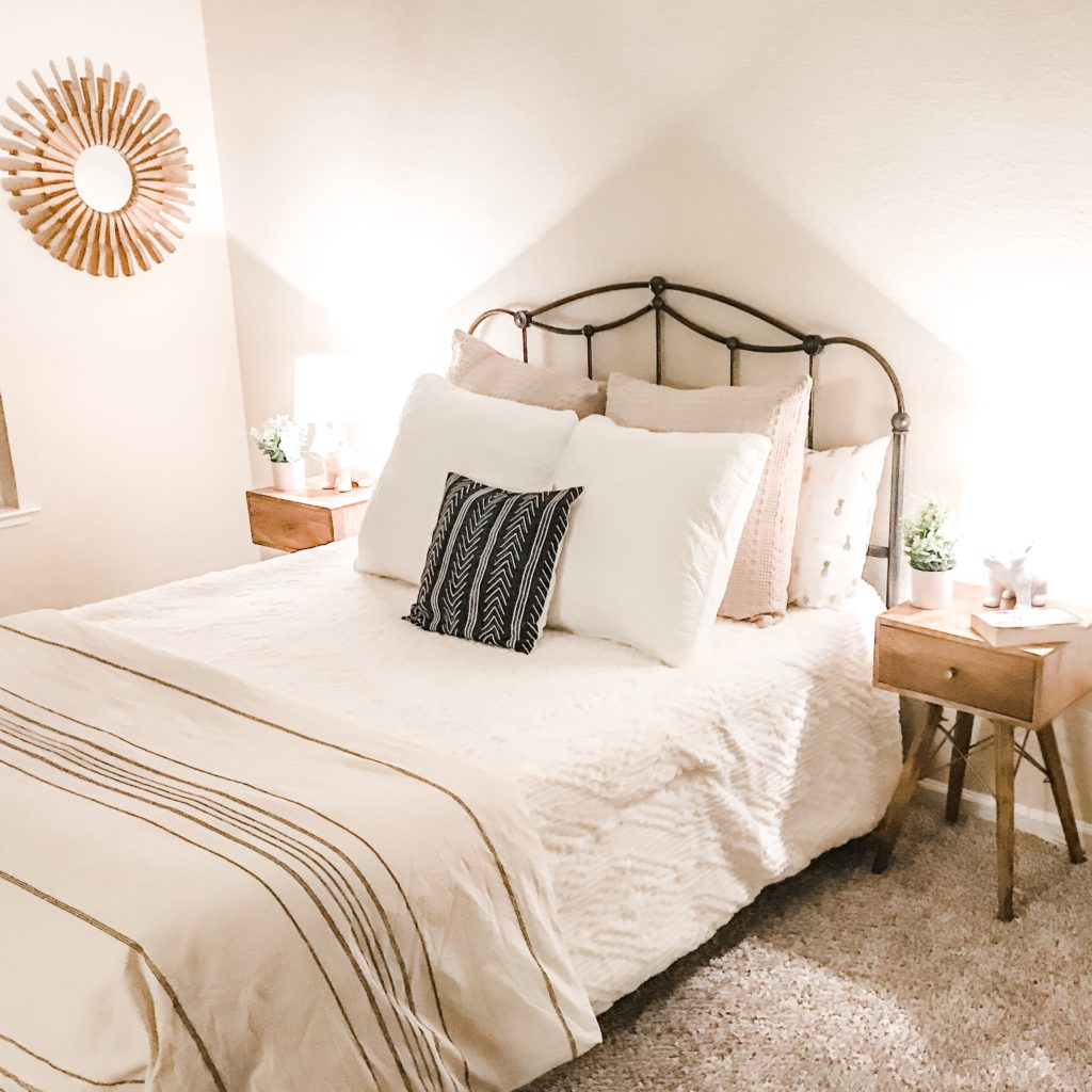 home staging modern farmhouse queen size bed