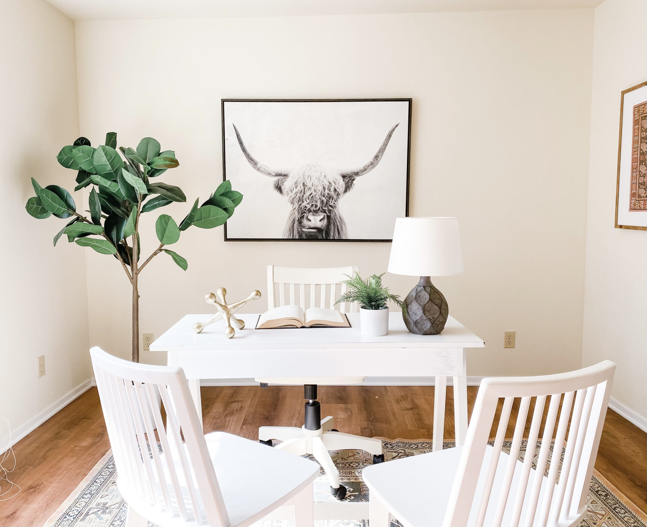 Staging a home office is important in toady's market